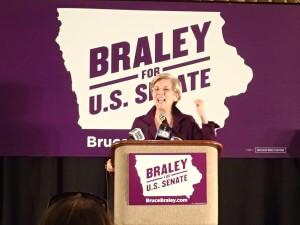 Senator Elizabeth Warren led a Braley rally in Des Moines. Photo courtesy of Zebulon Beilke-McCallum