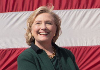 New Poll in Iowa Hints at Likely Centerpiece of Clinton Campaign