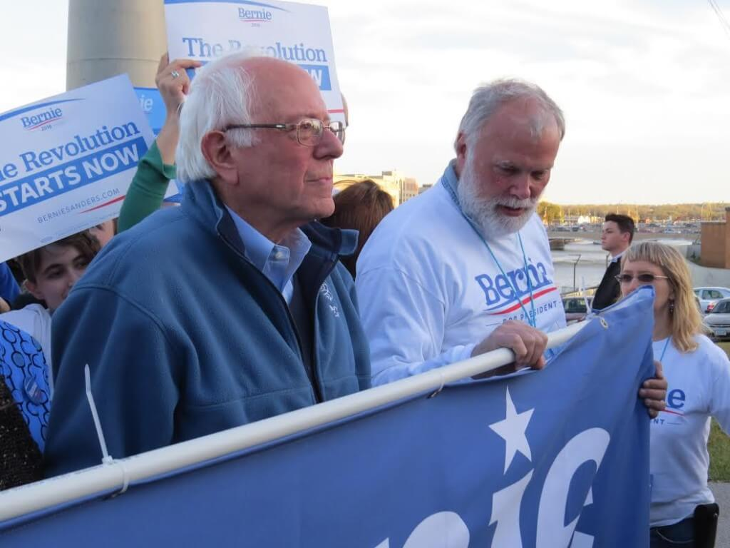 Sanders leads his march to the JJ