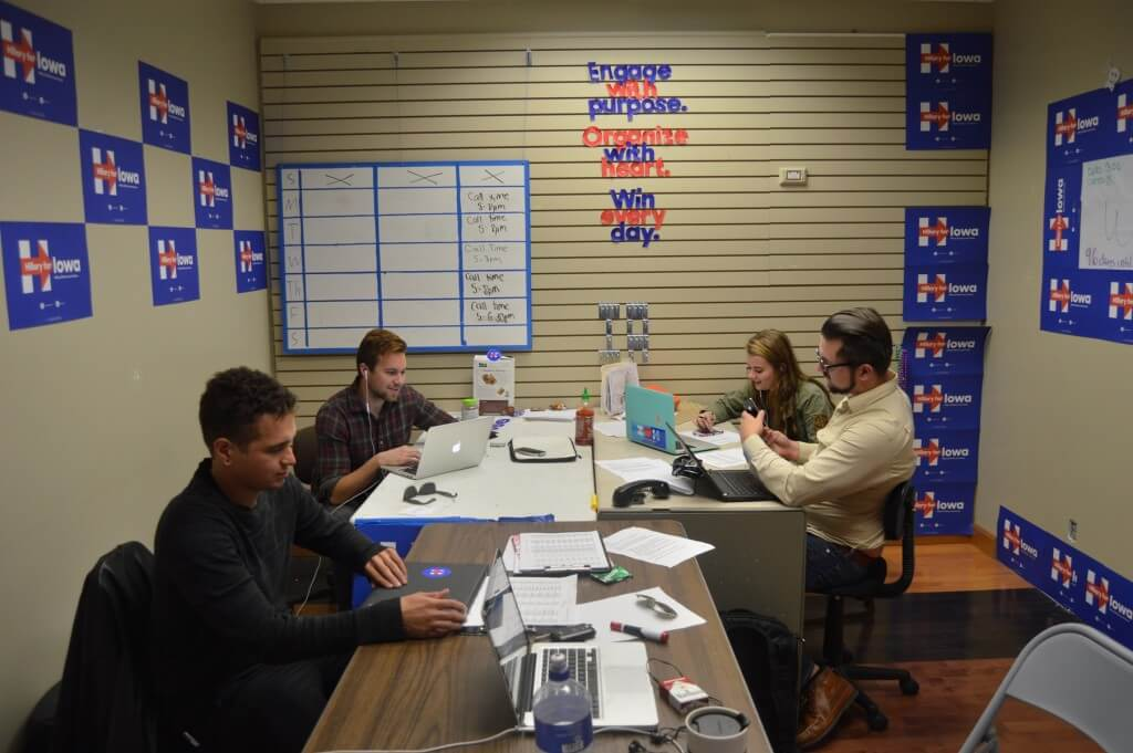 Clinton staff in Sioux City