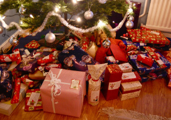 The Christmas Gifts Voters Should Give Each Candidate