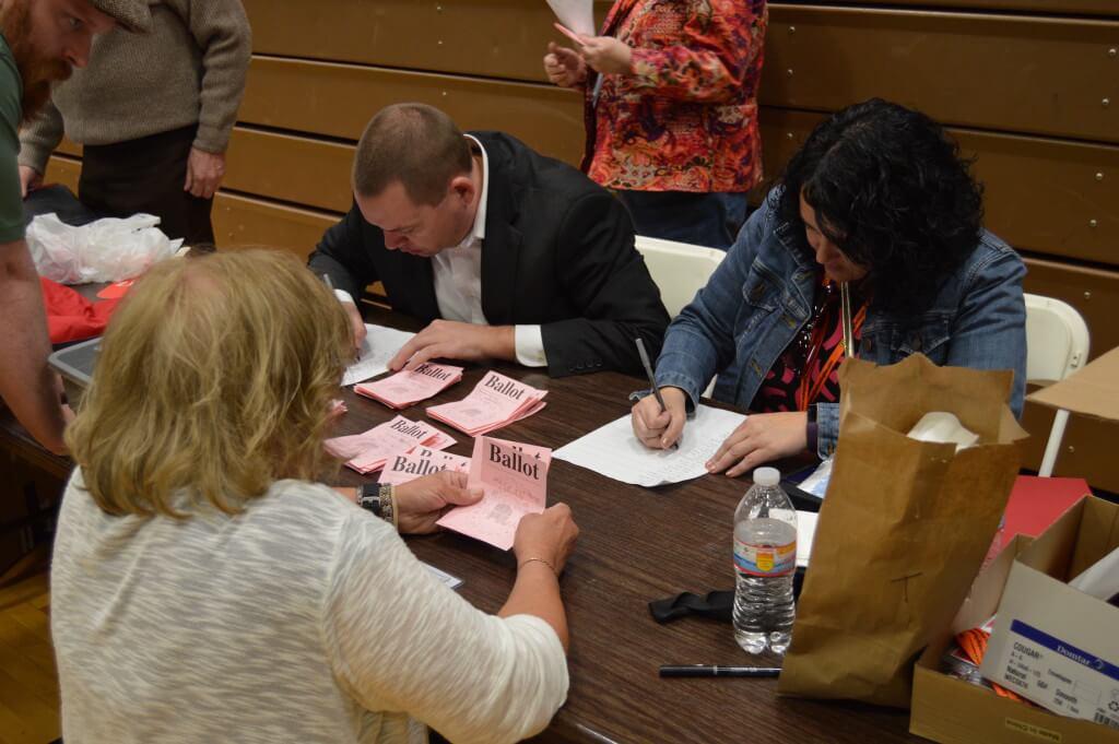 Republicans count the ballots