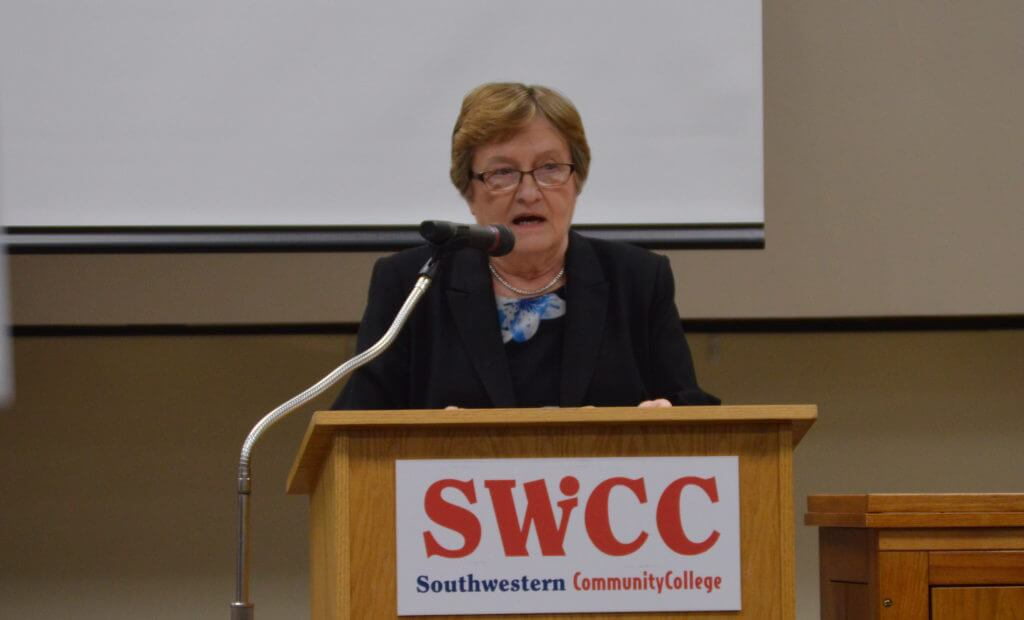 Patty Judge addresses the crowd