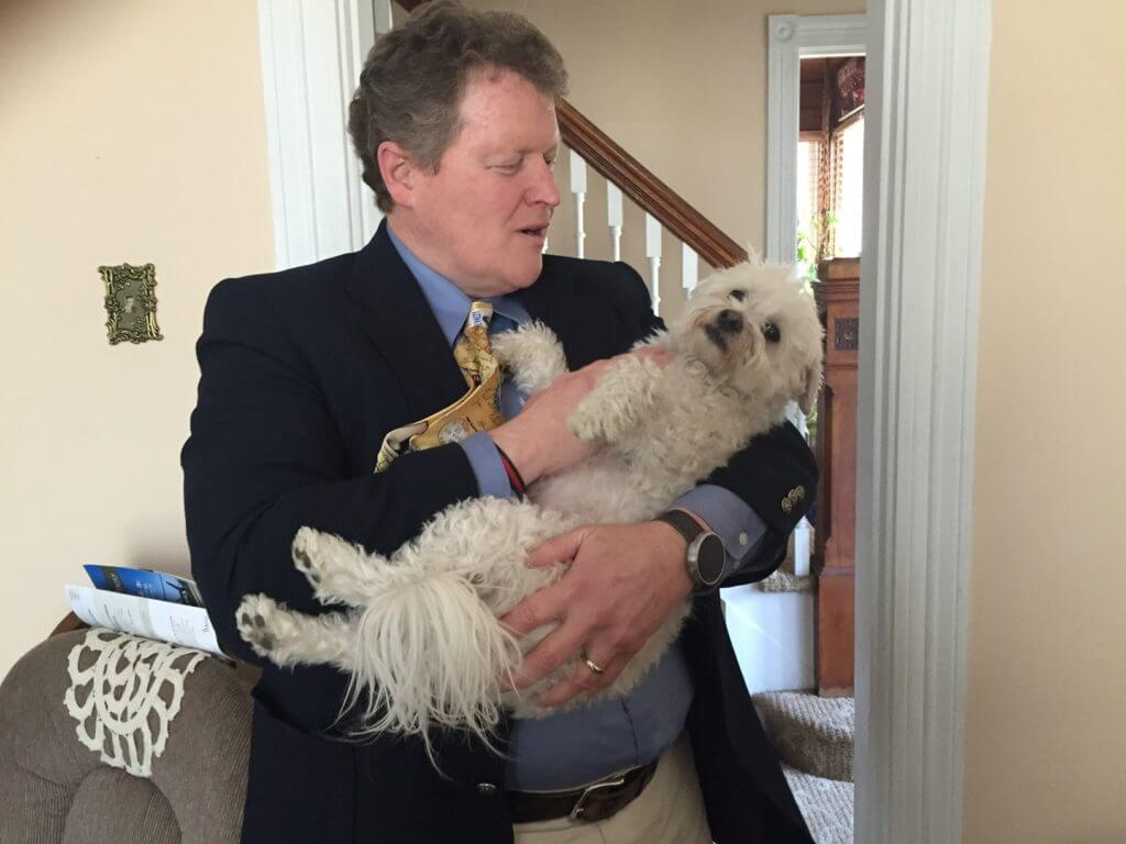 Murphy says bye to Toto before heading to the debate