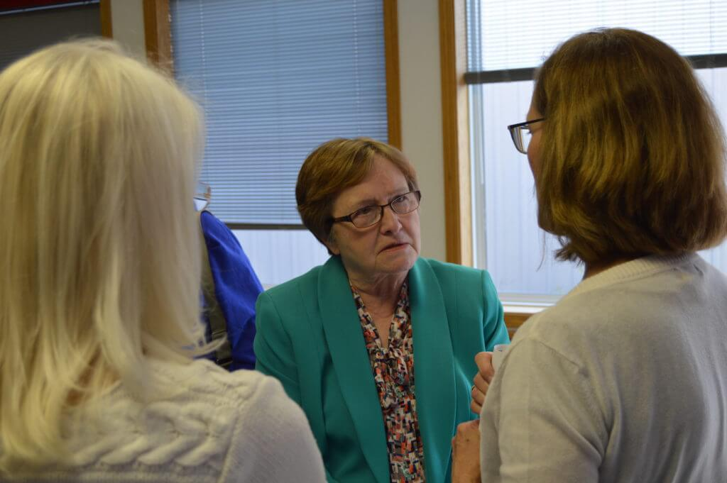 Judge chats with activists in northern Iowa